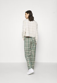 Monki - SIMONE TROUSERS - Bukse - green medium/dusty unique - 2