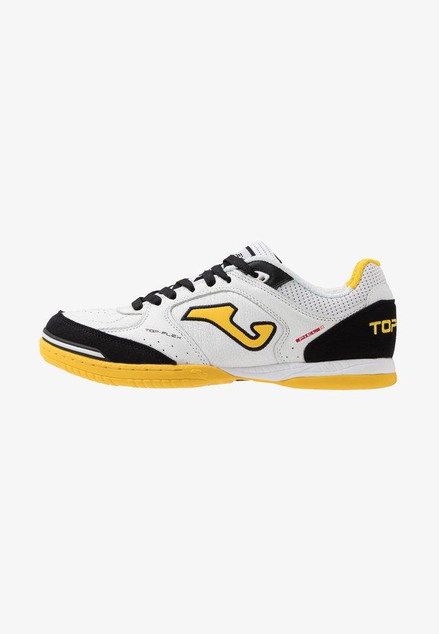 TOP FLEX - Indoor football boots - white/yellow