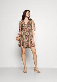 Vero Moda - VMLOA DRESS - Vestido informal - multi-coloured - 1