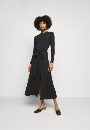 LONGSLEEVE DRESS - Pletené šaty - black