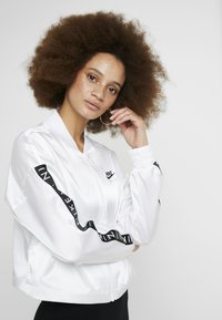 Nike Sportswear - AIR - Veste de survêtement - white - 3