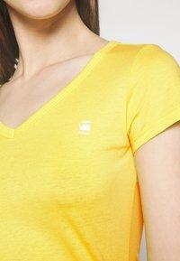 G-Star - EYBEN SLIM V T WMN S\S - Basic T-shirt - bright yellow - 4
