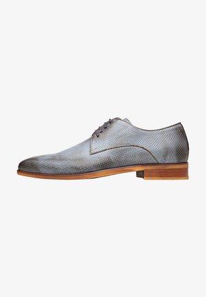 Sportieve veterschoenen - grijs