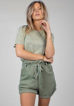 AVELIN - Shorts - faded green