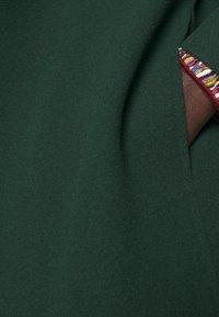 STUDIO ID - JENNIFER COAT - Mantel - bottle green - 5