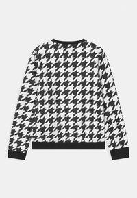 Guess - JUNIOR ACTIVE - Sweatshirt - black/white - 1
