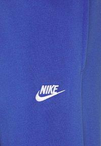 Nike Sportswear - SUIT SET - Tepláková souprava - astronomy blue/university red/white - 4