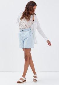 BONOBO Jeans - Camiseta estampada - blanc - 1