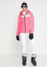 Colmar - LADIES PANTS - Spodnie materiałowe - white - 1