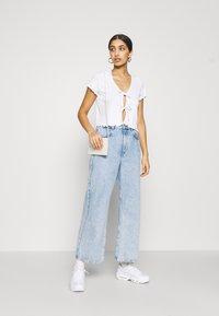 Monki - NILLAN - Camiseta estampada - white - 1