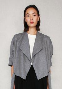 jeeij - BATWING  - Blazer - light grey - 8