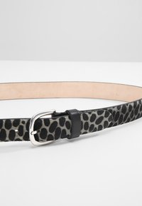 Vanzetti - Belt - grau animal - 3