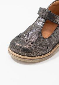 Froddo - Lær-at-gå-sko - bronze - 2