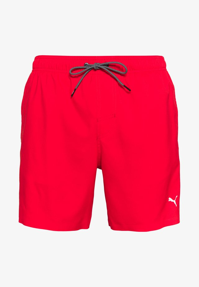 SWIM MEN MEDIUM LENGTH - Badeshorts - red