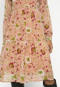 Vero Moda Petite - VMCILLE DRESS  - Day dress - auburn - 6