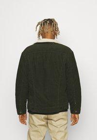 Lee - SHERPA JACKET - Light jacket - rosin - 2