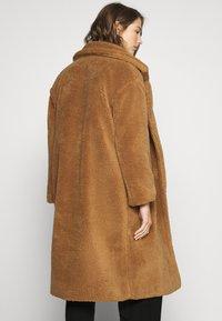 ONLY - ONLEVELIN LONG COAT  - Classic coat - rubber - 2