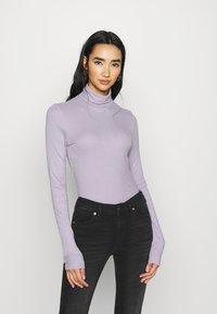 Monki - ELIN  - Long sleeved top - purple - 1