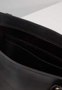 L. CREDI - DELILA - Tote bag - schwarz - 4