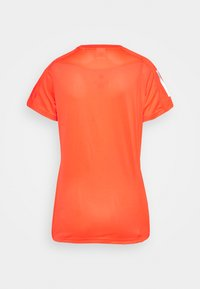 adidas Performance - OWN THE RUN TEE - T-shirts med print - app solar red - 1