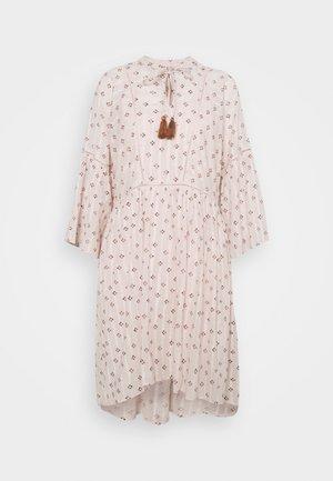YASFEEL 3/4 TUNIC FEST - Denní šaty - star white