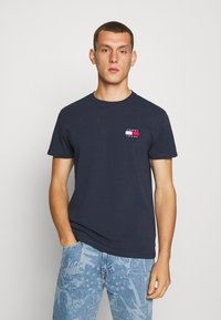 Tommy Jeans - BADGE TEE - Basic T-shirt - twilight navy - 0