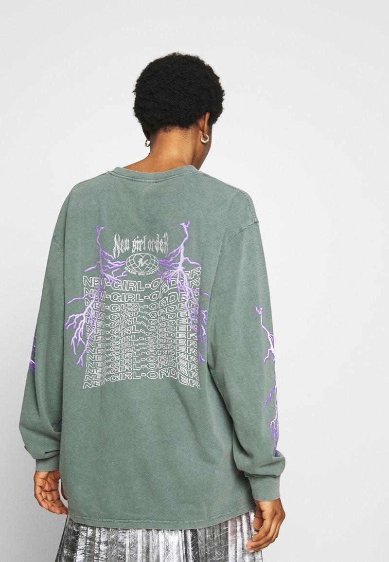 NEW girl ORDER - THUNDERSTRUCK LONG SLEEVE TEE - Camiseta de manga larga - green