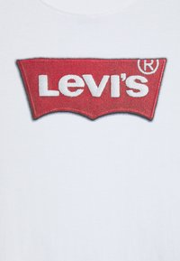 Levi's® - FAUX EMBROIDERED TEE UNISEX - T-shirts print - white - 2