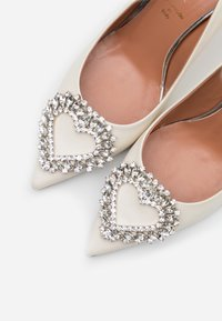 Oxitaly - STEFY - Classic heels - latte - 5