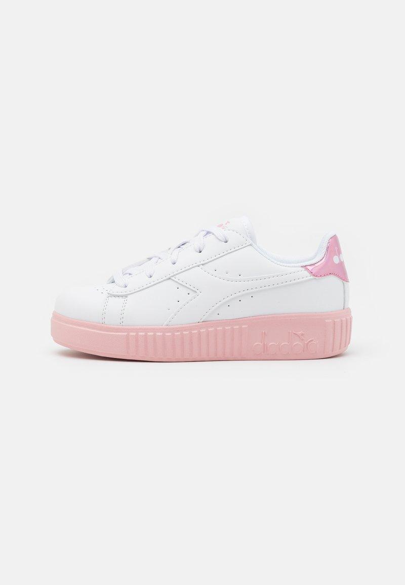 Diadora - GAME STEP UNISEX - Sports shoes - white/pink peachskin