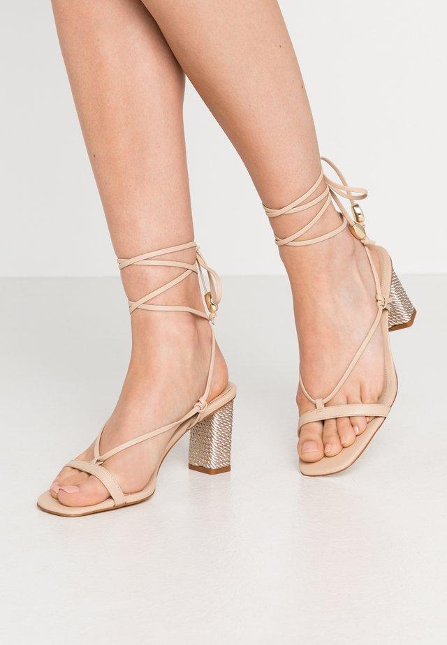 ROCKY BARNES RAVELLO  - Sandals - natural