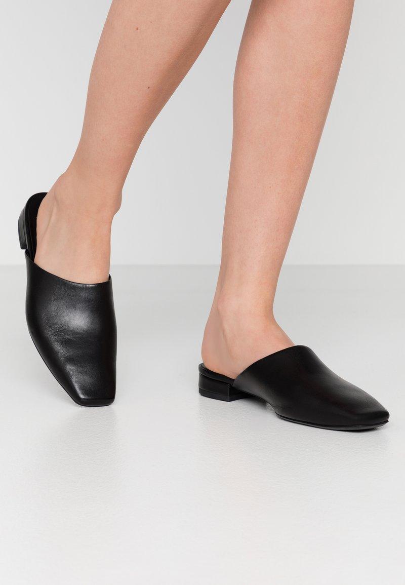 Vagabond - LAYLA - Mules - black