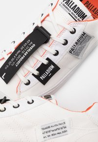 Palladium - PALLAPHOENIX OVERLAB UNISEX - Sneakers laag - white - 5