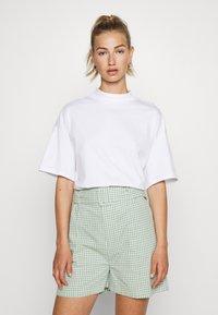 Monki - INA 2 PACK  - Basic T-shirt - white light - 1