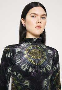 BDG Urban Outfitters - FUNNEL - Top sdlouhým rukávem - multi coloured - 3