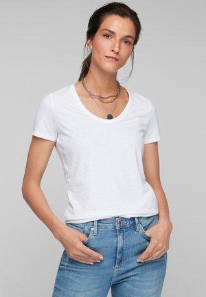MIT U-AUSSCHNITT - Basic T-shirt - white