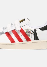 adidas Originals - SUPERSTAR UNISEX - Tenisky - white/scarlet/chalk white - 6