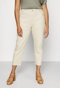 ONLY Carmakoma - CARMILY  LIFE RAW - Jeans Skinny Fit - ecru - 0