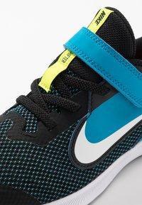 Nike Performance - DOWNSHIFTER 9  - Scarpe running neutre - black/white/laser blue/lemon - 2