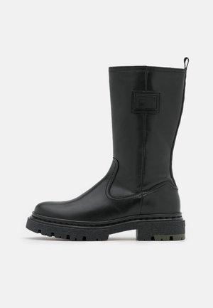 KAFEY HGH LEA W - Platform boots - black