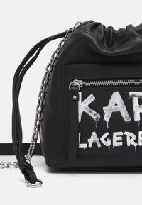 KARL LAGERFELD - SOHO GRAFFITI SMALL - Across body bag - black - 3