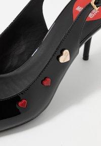 Love Moschino - HEART STUDS - Klasické lodičky - black - 2