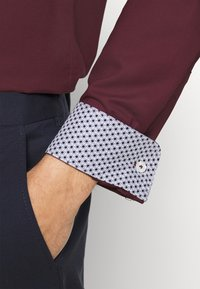 Matinique - TROSTOL  - Formal shirt - claret - 6