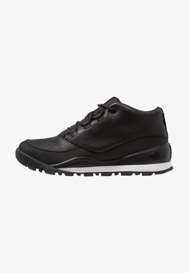 M EDGEWOOD CHUKKA URBAN - Hiking shoes - black/white