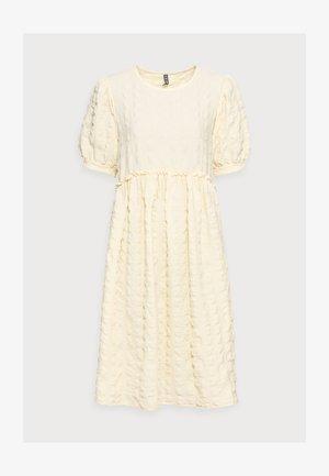 PCLUDMILLA DRESS  - Day dress - almond oil