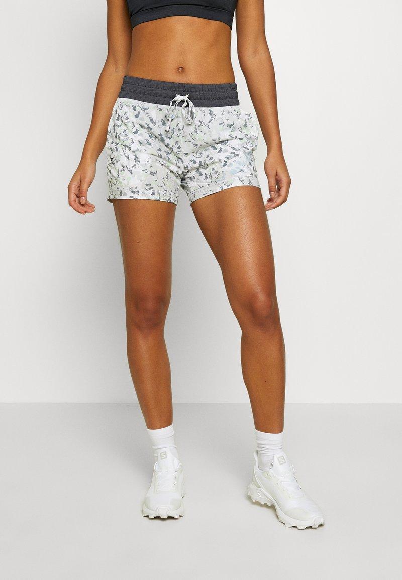 Salomon - COMET - Outdoor shorts - white