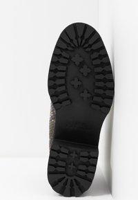 Topshop - BRIXTON CHELSEA - Ankle boots - natural - 6