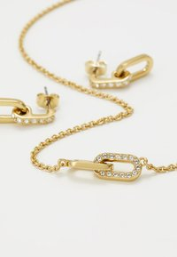 DKNY - PAVE DOUBLE OVAL LINK PENDANT SET - Earrings - gold-coloured - 5