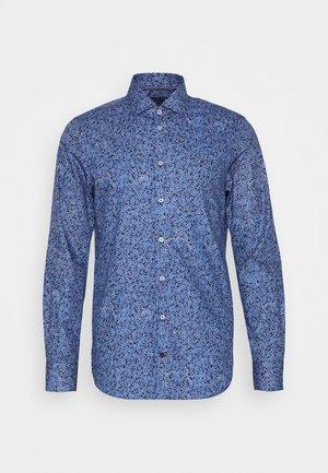 FLORAL PRINT CLASSIC SLIM - Skjorta - blue