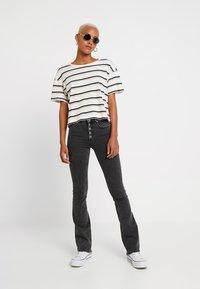 ONLY - ONLBLUSH SWEET FLARED - Flared jeans - black denim - 1
